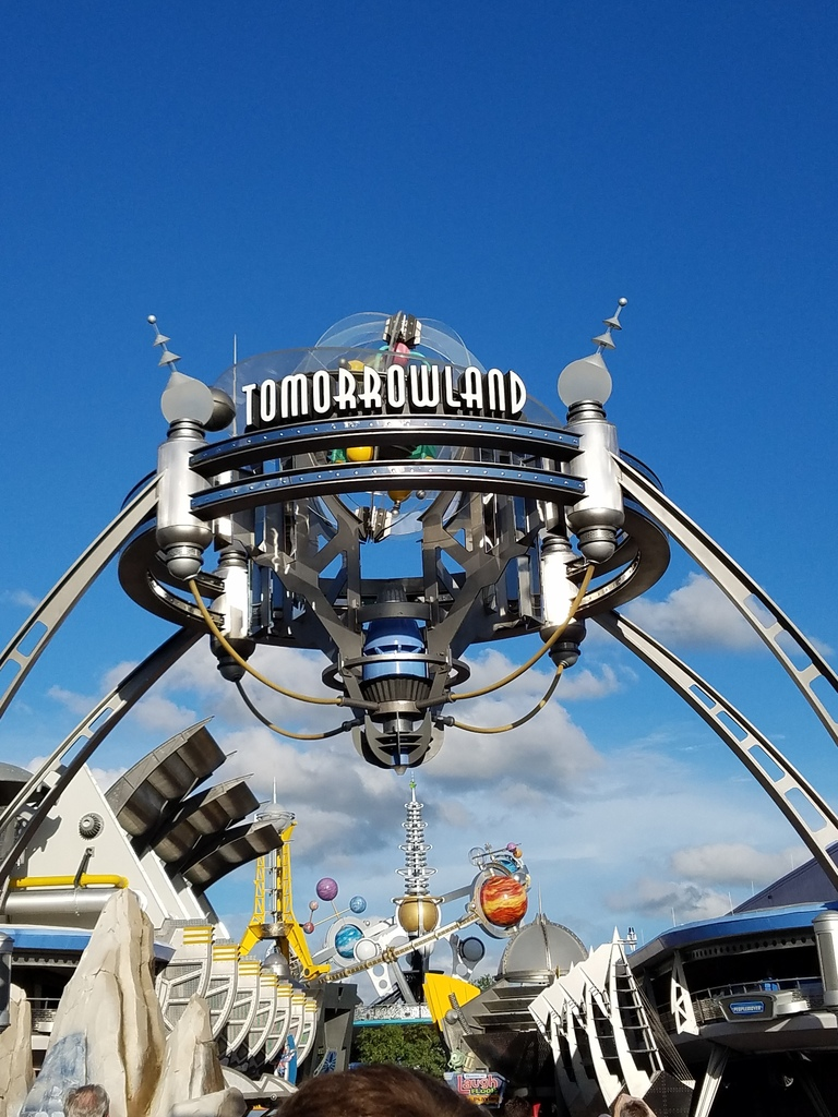 [NEW MUSIC] Magic Kingdom's Tomorrowland  Area Loops from the 70s and 80s