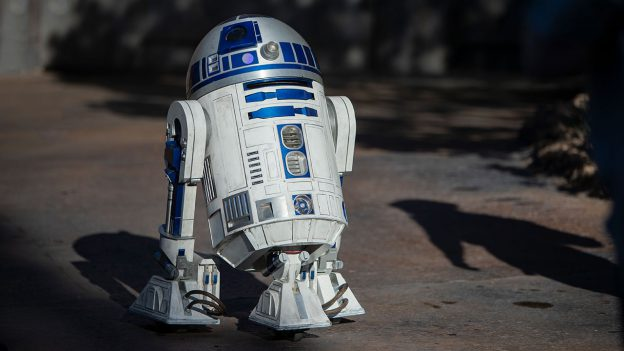 R2-D2 strolling around Star Wars: Galaxy's Edge
