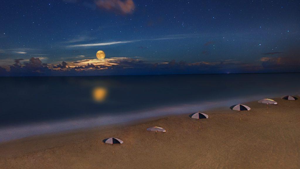 Moon at Vero Beach